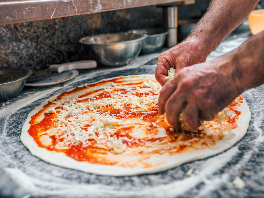 Apprenez à faire des pizzas en compagnie d'un pizzaïolo