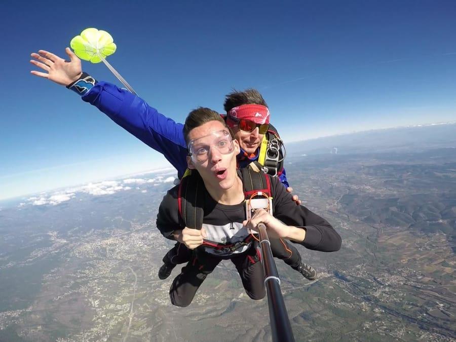 Saut en parachute tandem au dessus de l'Ardèche