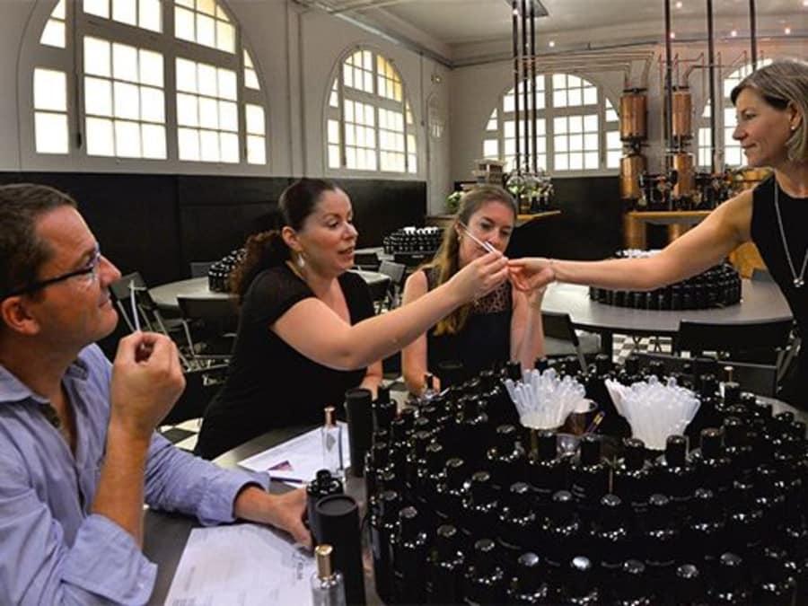 Atelier réalisation de Parfum par Molinard à Grasse