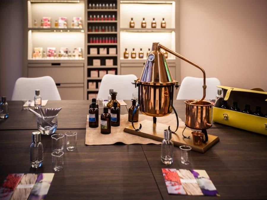 Atelier de création de parfum enfant 7-14 ans dans le Marais