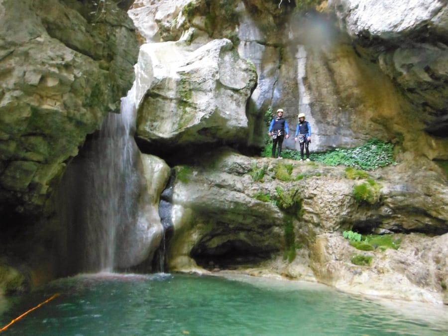 Canyoning découverte sur le canyon de Pierrefeu (Aiglun-06)