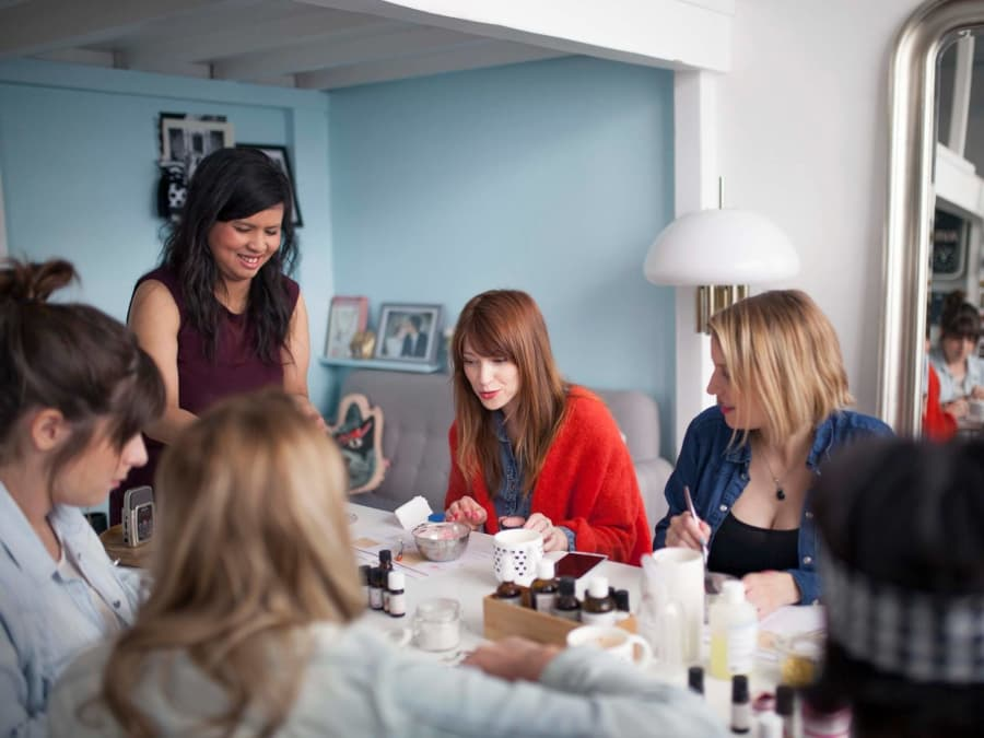 Atelier privé création de cosmétiques pour elle à domicile