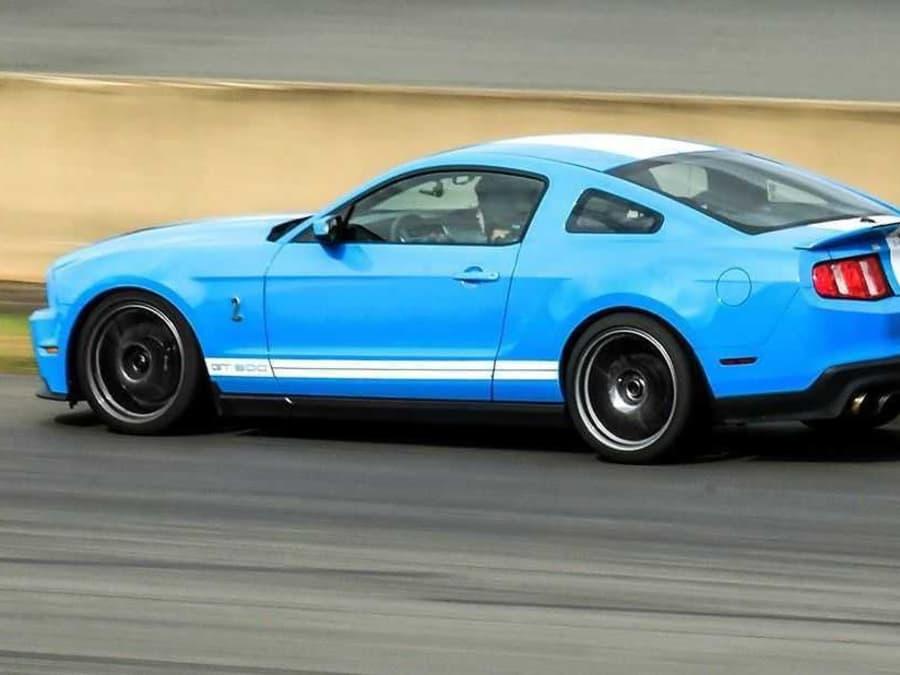 Stage de pilotage en Mustang GT sur le circuit de Clastres (02)