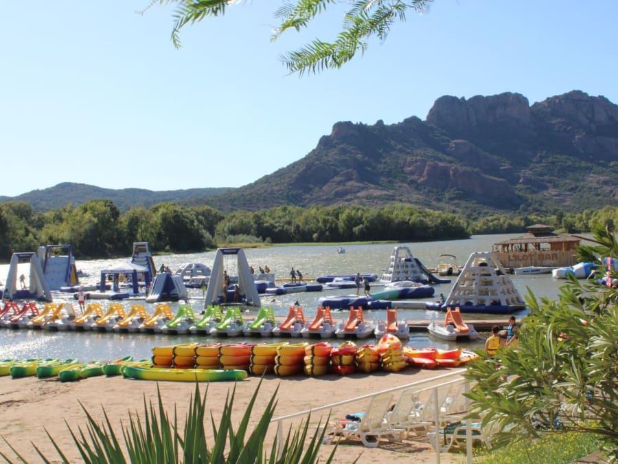 Base de loisirs nautiques au lac de l'Arena (83)