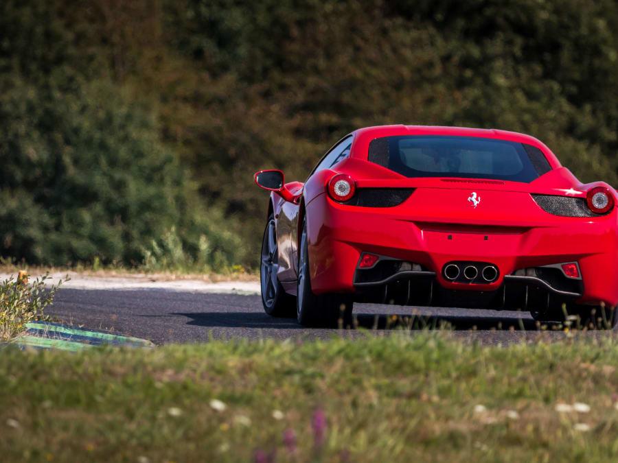 Stage de pilotage Ferrari 458 Italia - Circuit du Mans (72)