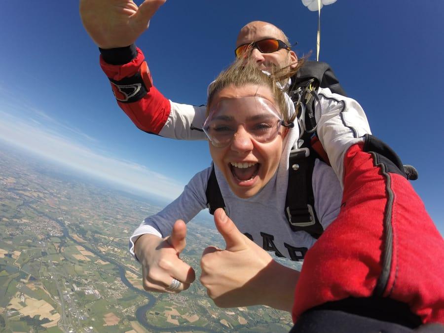 Saut en parachute tandem à Rodez dans l'Aveyron
