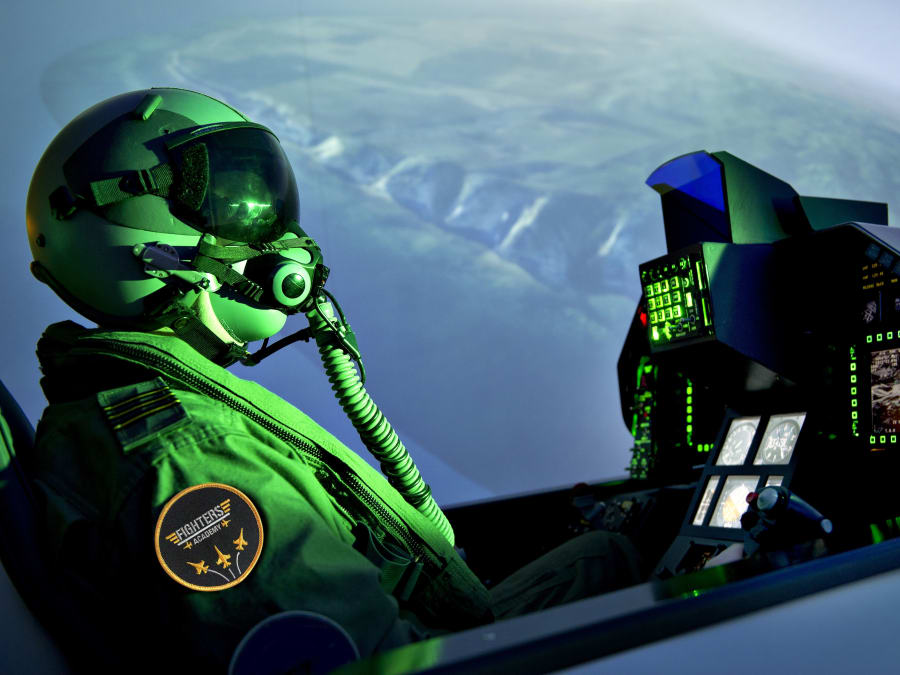 Simulateur de pilotage d'avion de chasse F-16 à Aix-en-Provence