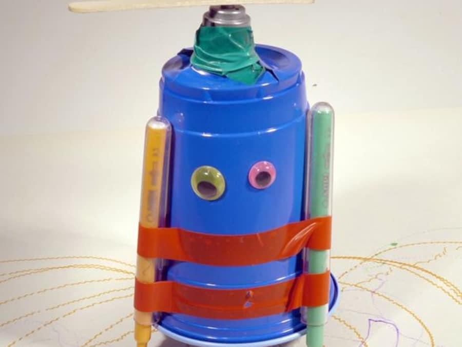 Atelier 6-12 ans : Fabrique un robot artiste à Paris 18ème