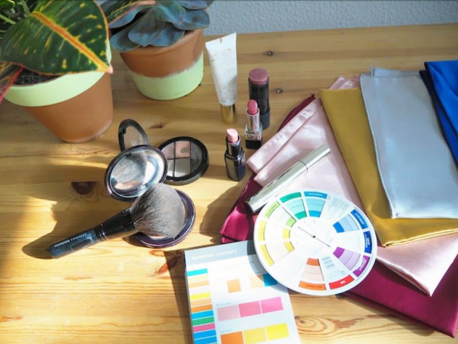 Séance colorimétrie avec une styliste professionnelle à Paris