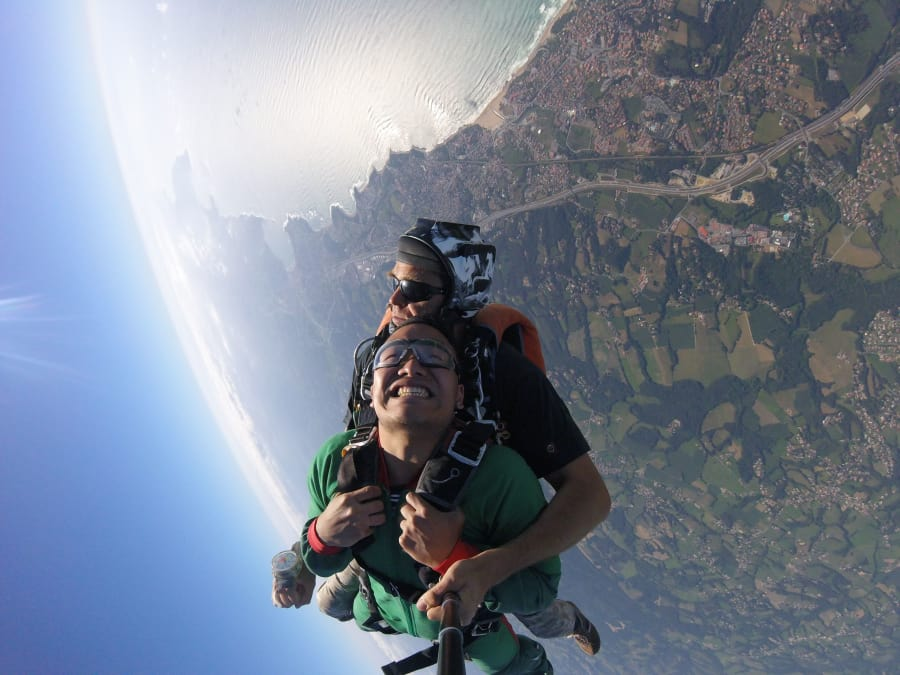 Saut en parachute tandem à Biarritz, au Pays Basque