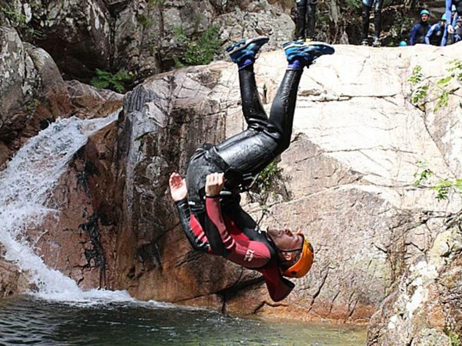 Canyoning dans le canyon de la Purcaraccia en Corse (2A)