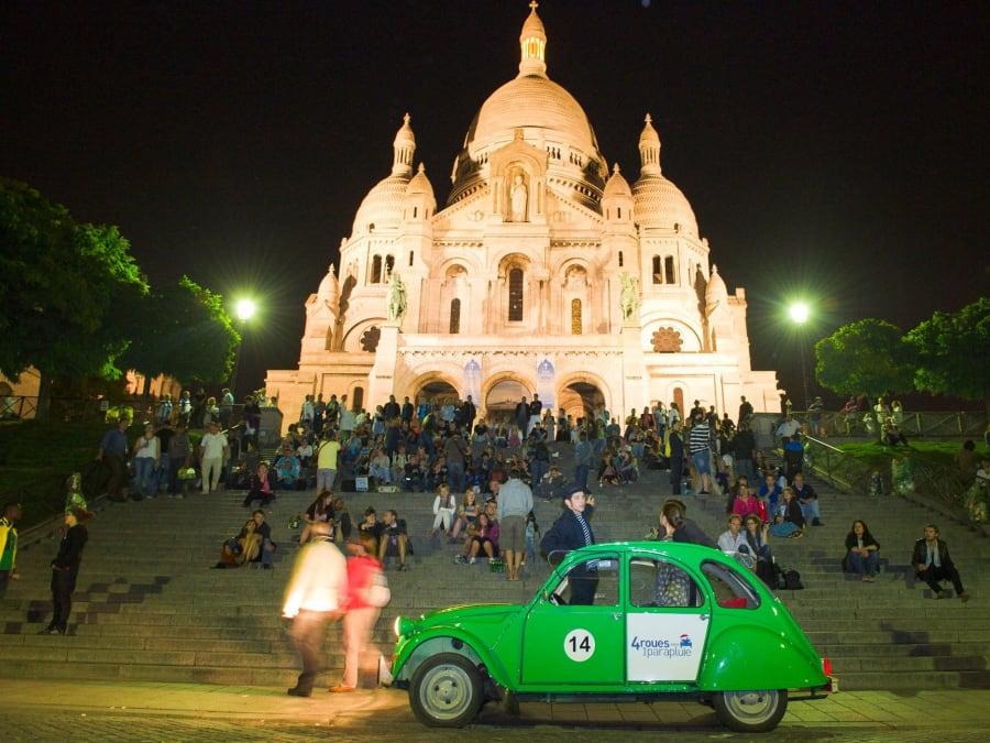 Visite de Paris by night en 2CV