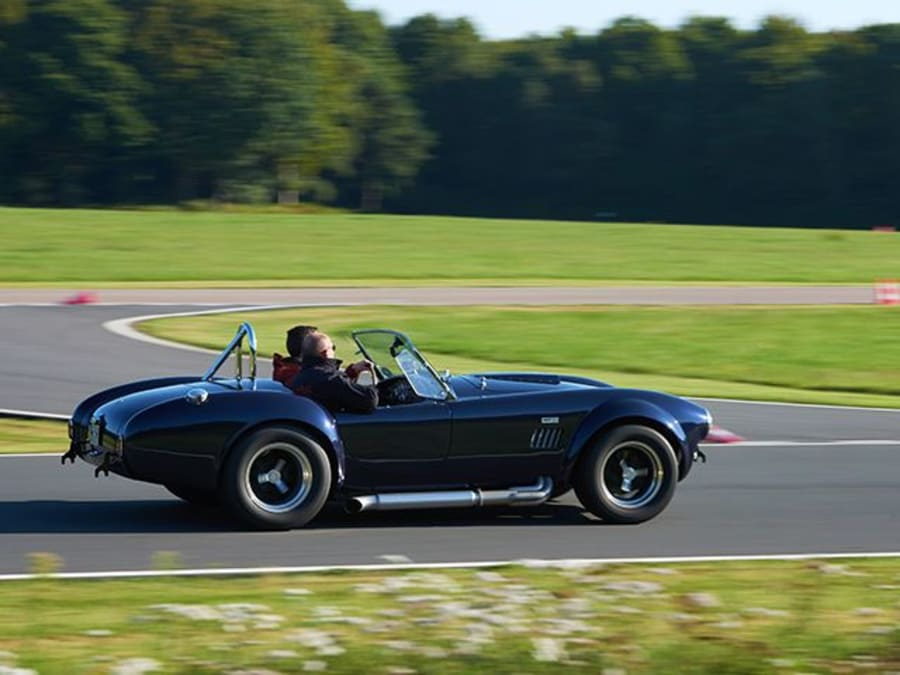 Stage de pilotage Shelby Ac Cobra - Circuit de Mornay (23)