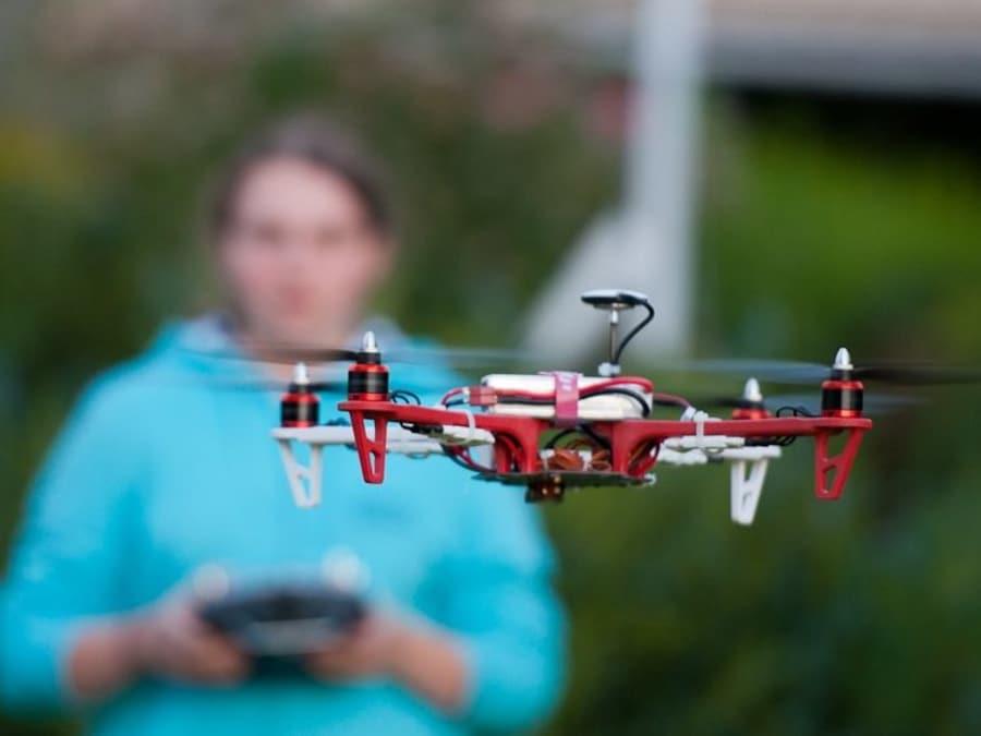 Anniversaire Le Drône déjanté 8-15 ans à domicile (Paris & IDF)