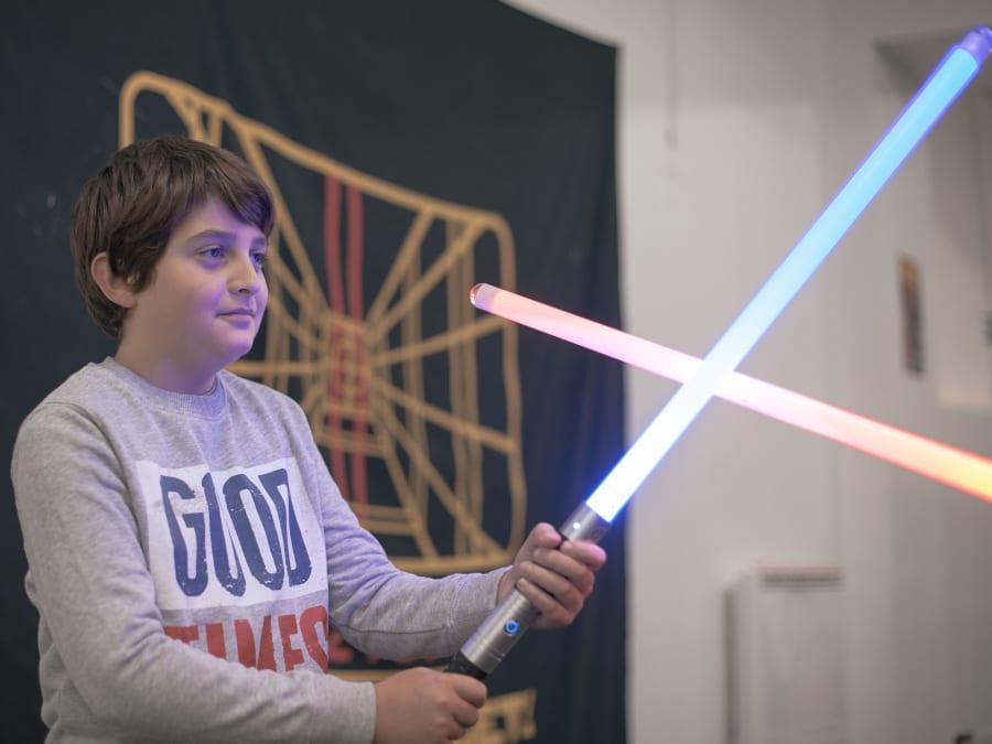 Anniversaire Sabre Laser 6-18 ans pour Petits Jedi à domicile