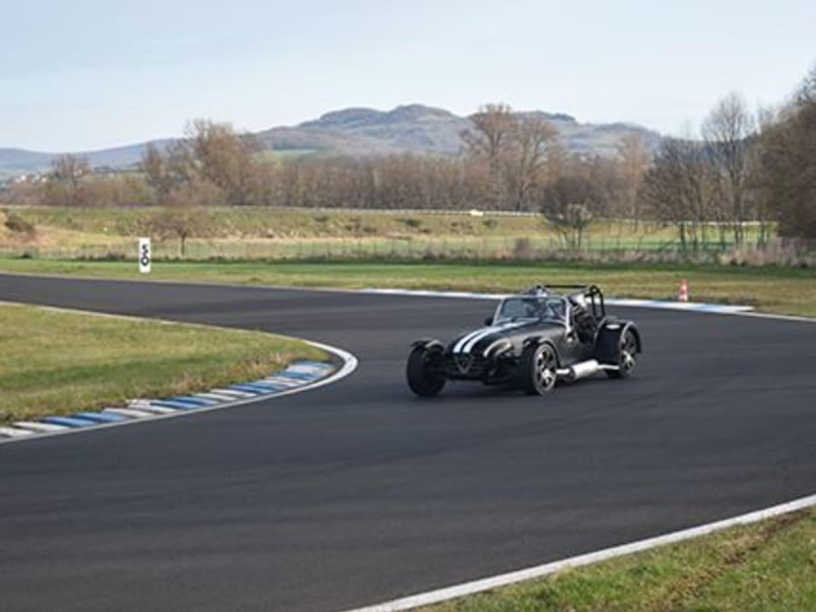 Stage de pilotage Caterham Cup - Circuit de Pont l'Evêque (14)