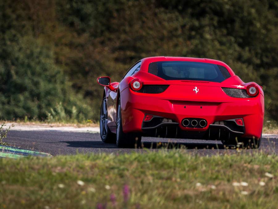 Stage de pilotage Ferrari 458 Italia - Circuit Fontenay-le-Comte