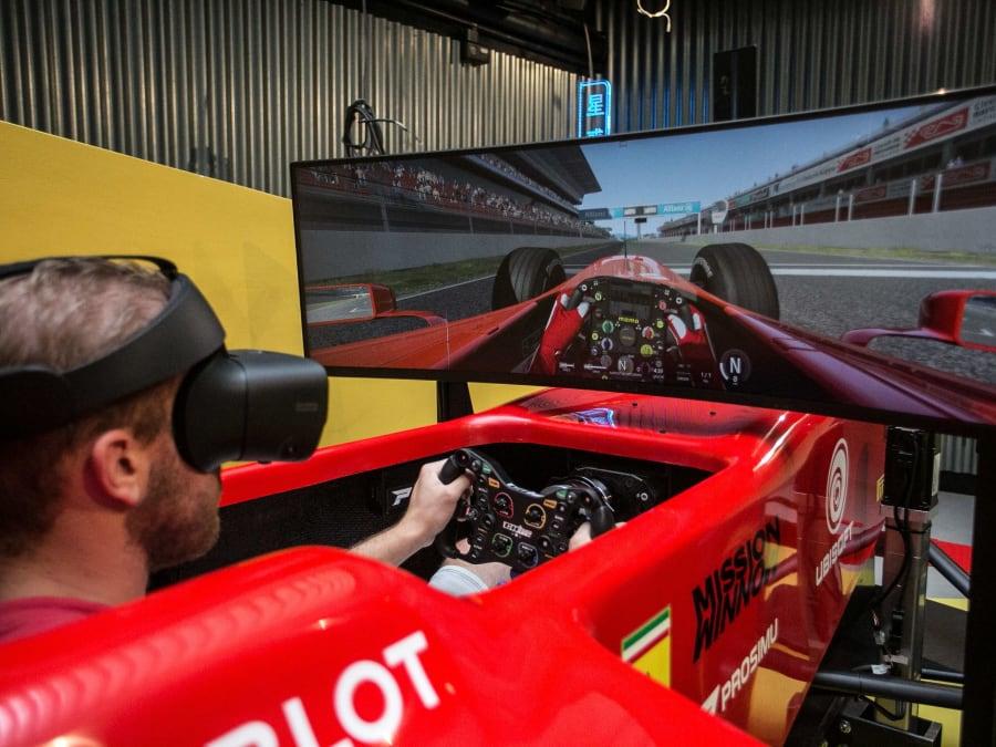 Simulateur de conduite Rallye & F1 en VR à Paris
