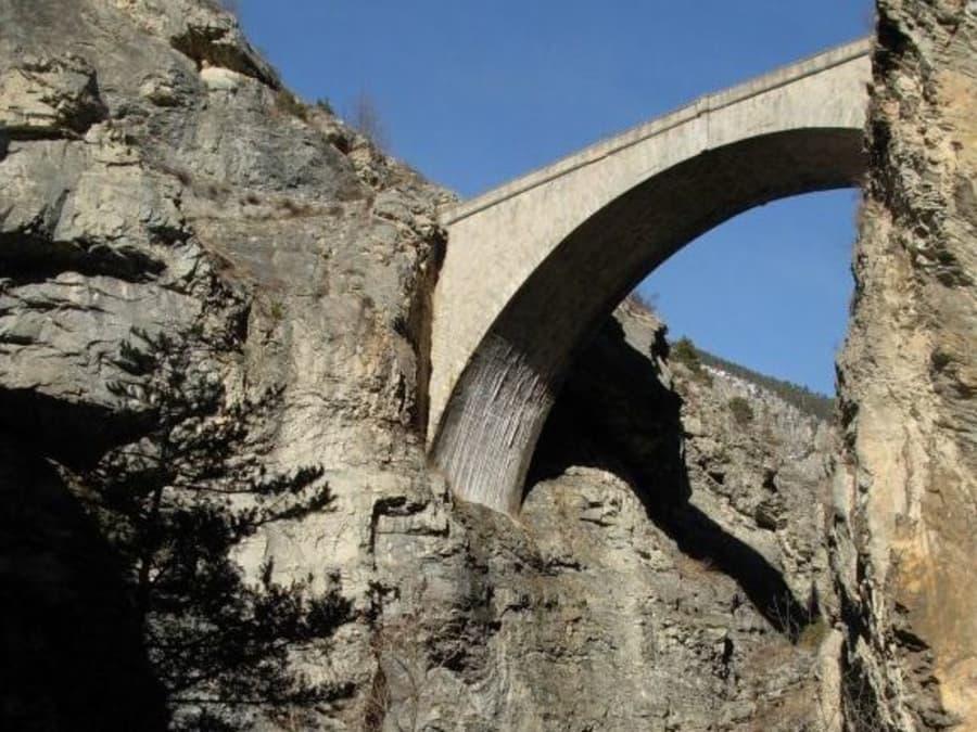 Saut à l'élastique du pont d'Asfeld, à côté de Serre Chevalier