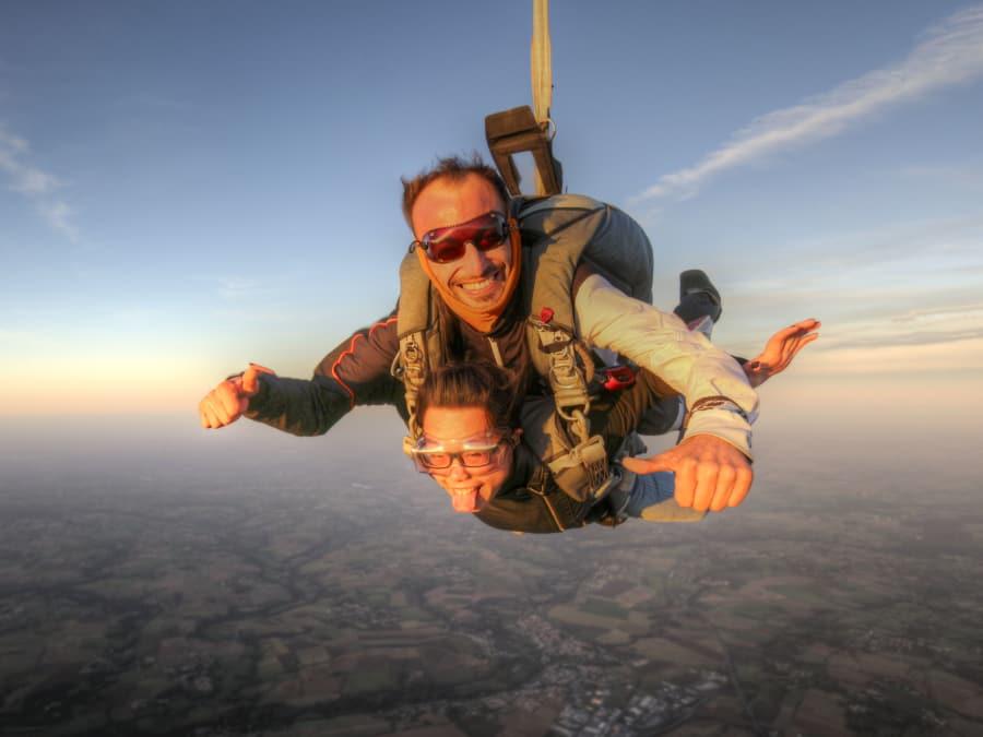Saut en parachute tandem au départ de Niort