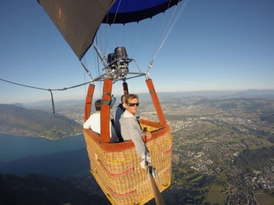 Vol en Montgolfière au-dessus du Lac d'Annecy (74)