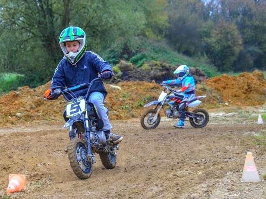 Anniversaire pilotage de moto-cross 10-14 ans à Dole (39)