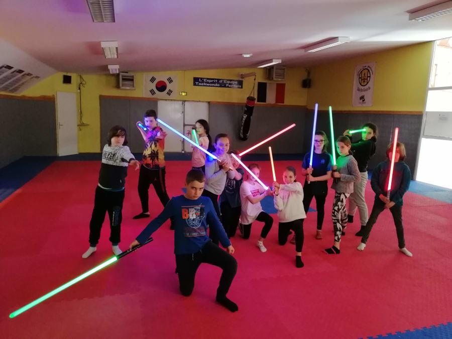 Anniversaire Sabre Laser 8-16 ans à Aix-en-Provence (13)