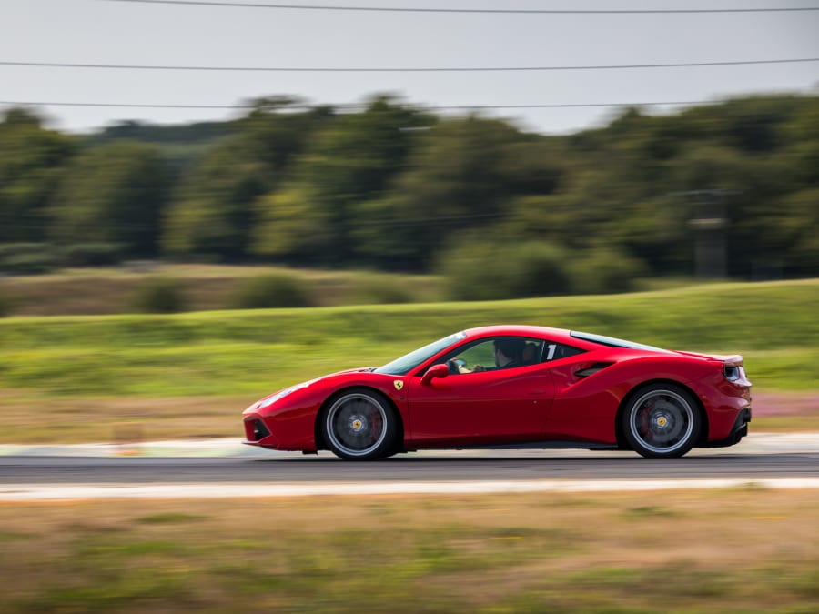 Stage de pilotage Ferrari 488 GTB - Circuit Fay de Bretagne