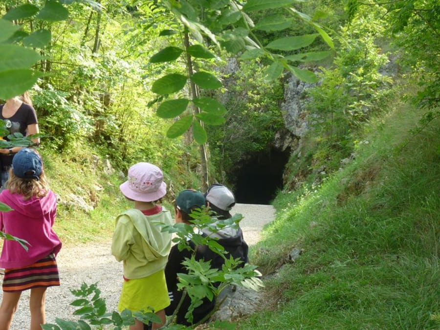 Anniversaire Paléolithique dans les Grottes du Cerdon (Ain)