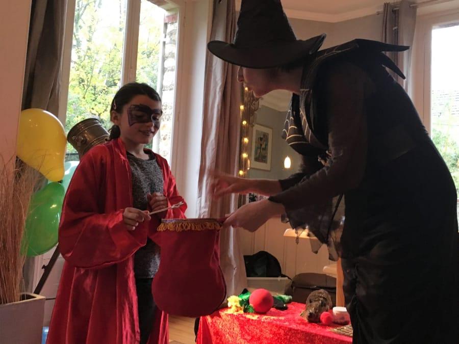 Anniversaire dans l'antre magique d'une sorcière à domicile