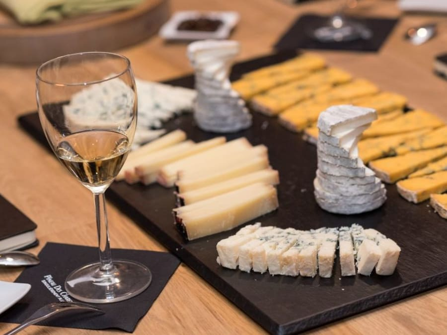 Team Building Dégustation Fromages & Vins à Paris 10ème