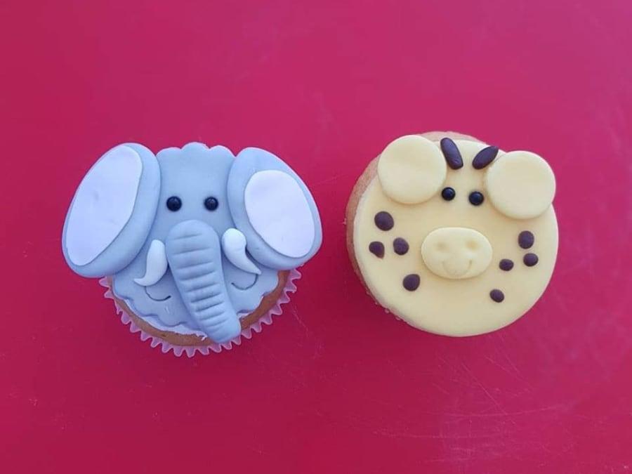 Anniversaire Cupcakes avec une Cake designeuse à domicile