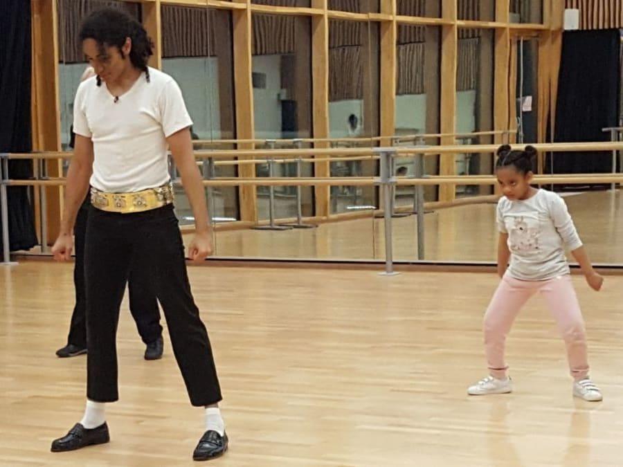 Anniversaire Michael Jackson 6-9 ans à domicile  (Sud-Est)