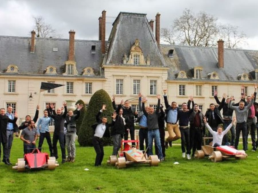 Team Building Construction et Course de Bolides en Carton