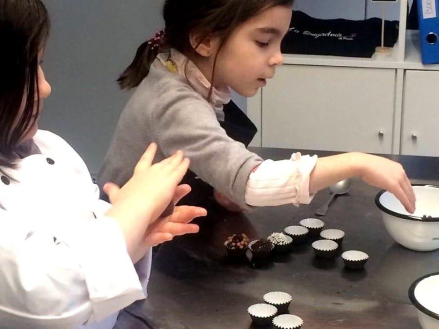 Anniversaire Atelier Chocolat avec une Chef à Paris 15ème