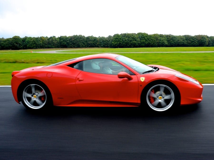 Stage de pilotage en Ferrari 458 -Circuit du Grand Sambuc (13)