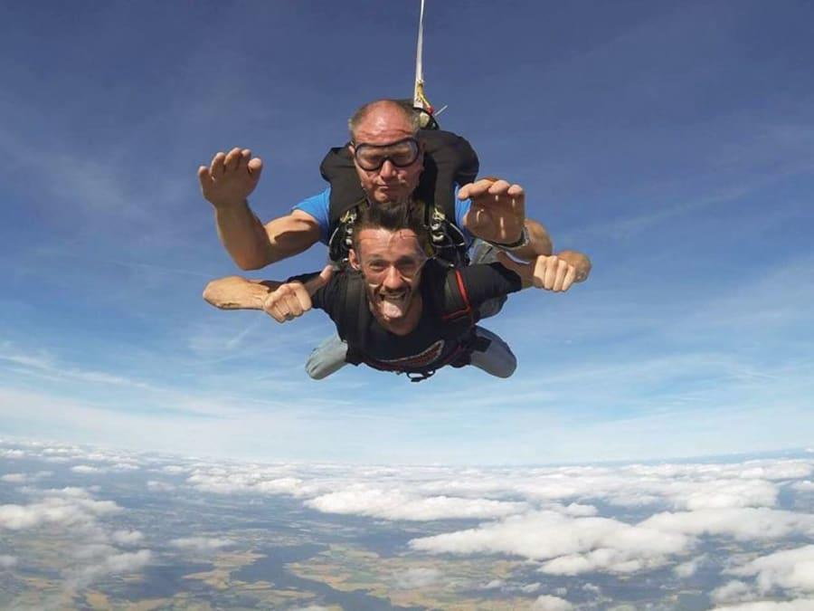 Saut en parachute tandem proche de  Maubeuge (59)