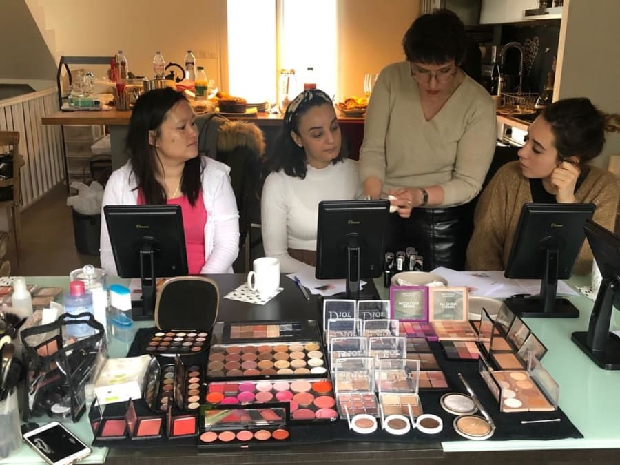 Animation Maquillage avec une Make Up Artiste