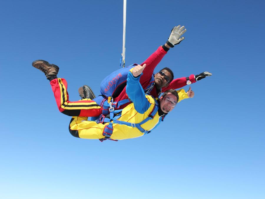Saut en Parachute Tandem à Tournus Cuisery proche de Mâcon