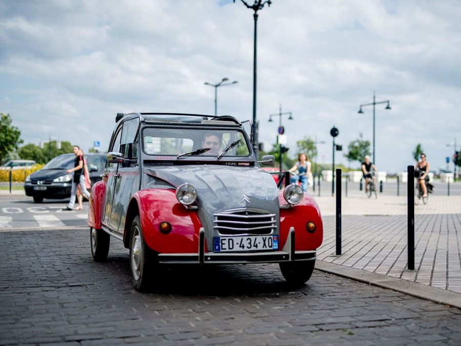 Visite de Bordeaux en 2CV