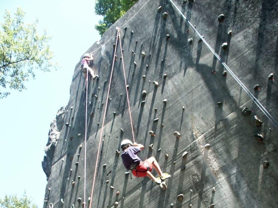 Initiation à l'escalade à côté de Lourdes (Hautes-Pyrénées)
