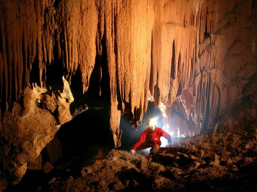 Découverte de la spéléologie : grotte de la Pâle