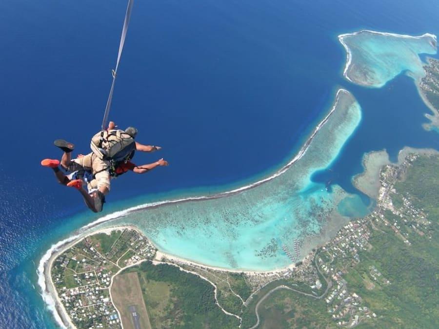 Saut en parachute tandem au dessus de Moorea