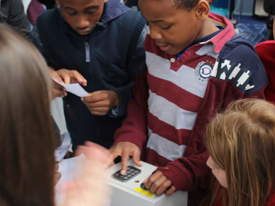 Enquête et Mystères : Escape Game Mobile pour enfants
