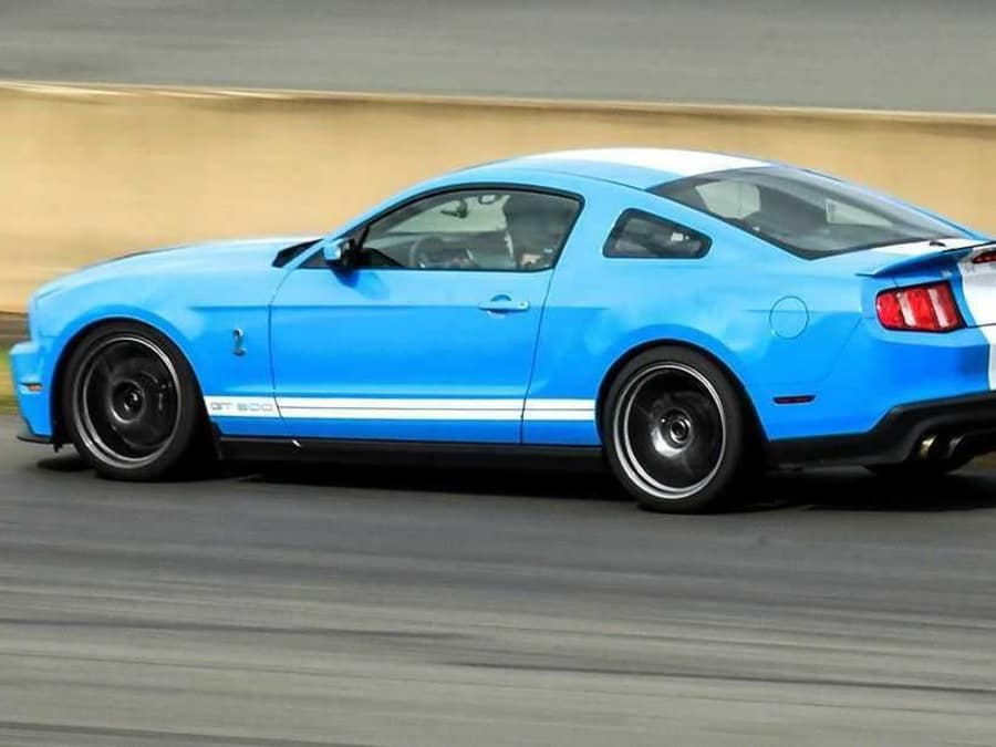 Stage de pilotage en Mustang GT sur le circuit de Montlhéry (91)