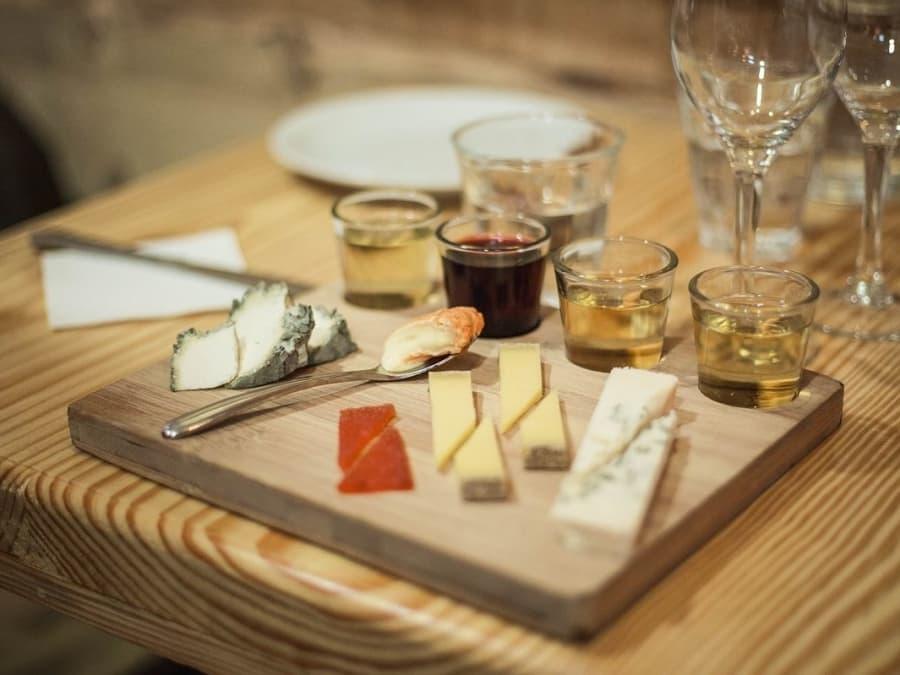 Atelier découverte des associations Fromages & Vins à Paris