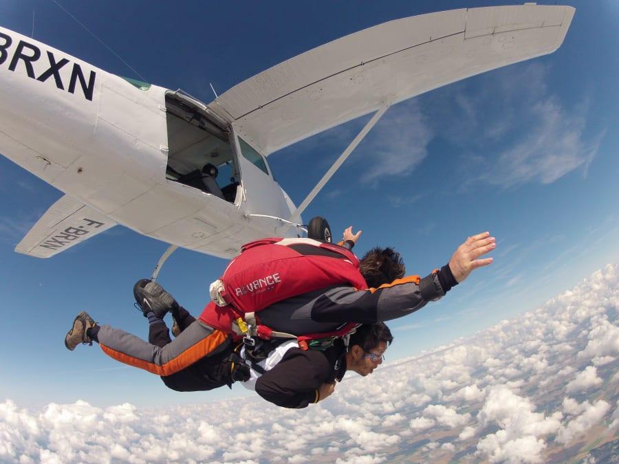 Saut en parachute tandem, la chute libre au plus près de Paris