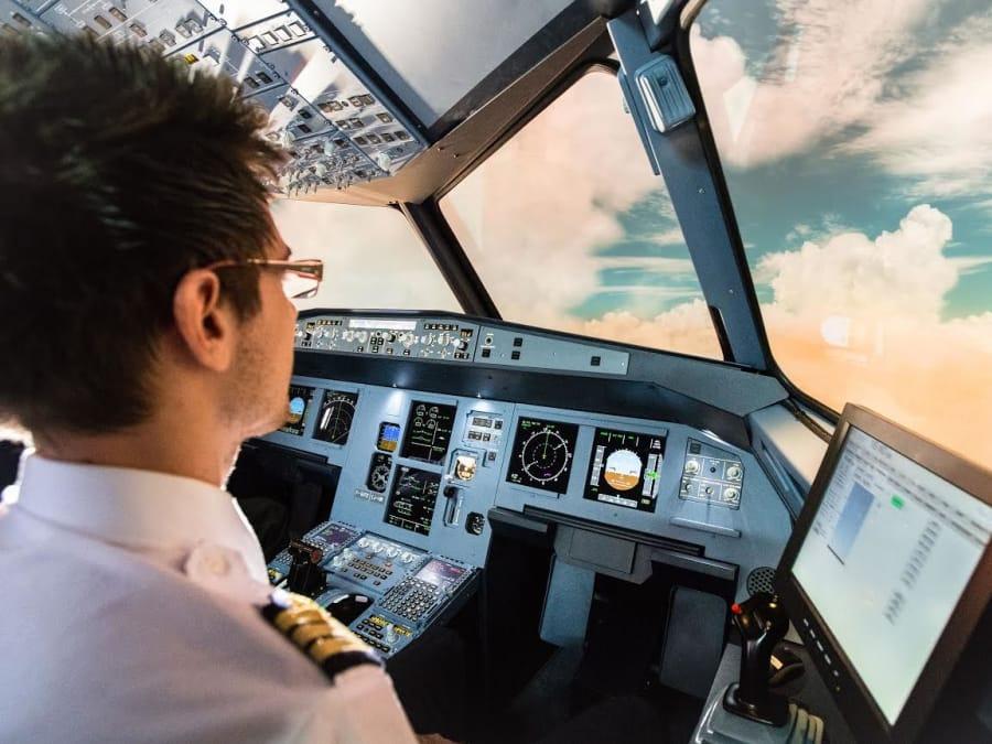 Simulateur de vol en avion de ligne A320 à Rennes