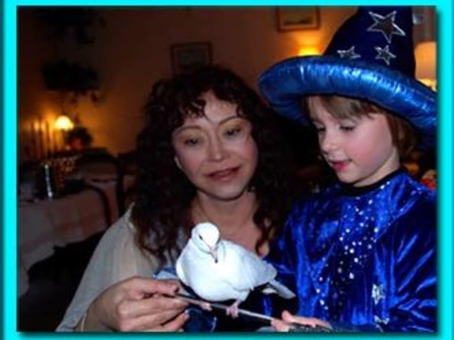 Anniversaire Yaki la magicienne avec animaux à domicile (Paris)
