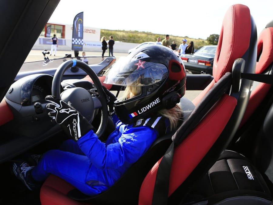 Anniversaire Pilotage de voiture sur le circuit Paul Ricard